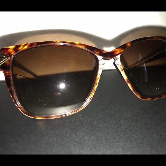 29c3612ab28 Gucci Accessories - 🍁SALE🍁 Vintage Gucci Cat Eye Sunglasses Amber